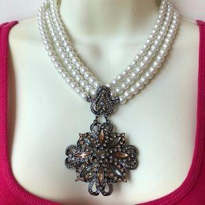 Jewelry - Large faux pearl Graziano Rhinestone necklace